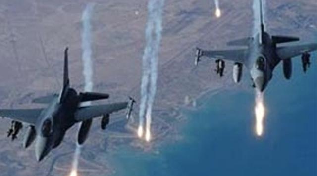 Rus uçakları İdlib bölgesini bombalıyor